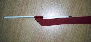 маленькая роза из гофрированной бумаги - шаг3